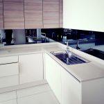 coloured kitchen splashbacks